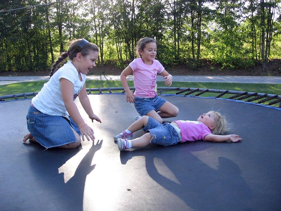 Dětské trampolíny přispívají k rozvoji osobnosti