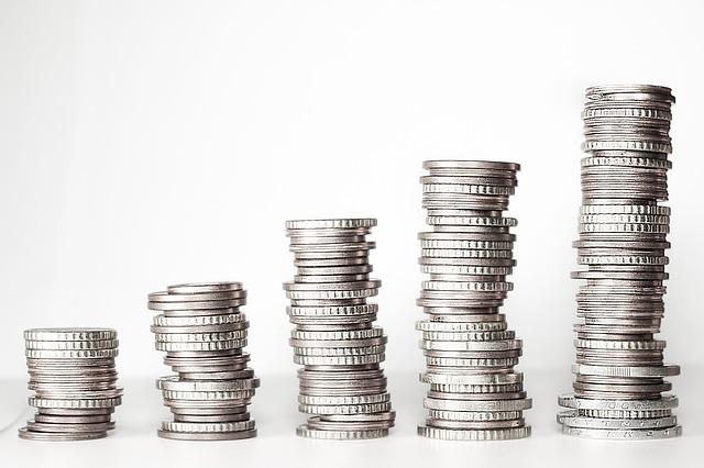 pět komínků z mincí.jpg