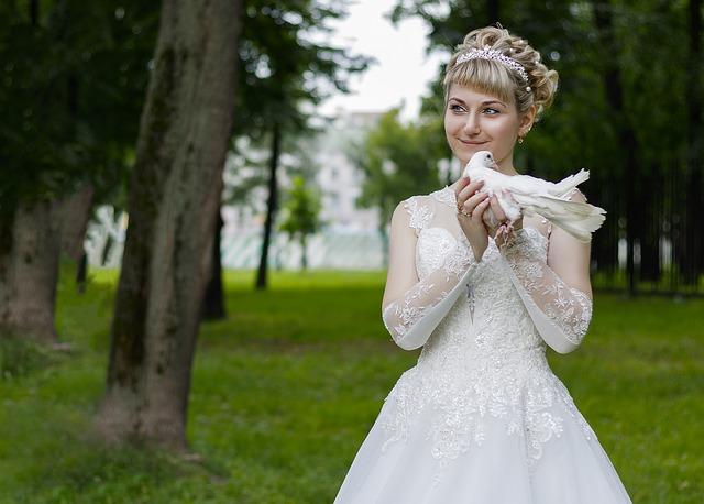 nevěsta s holubicí.jpg