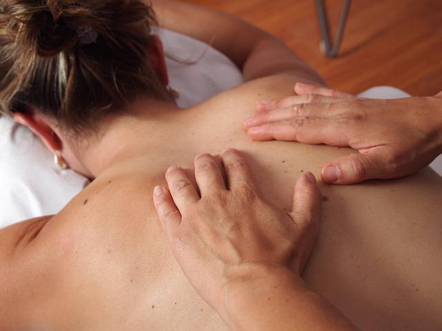 masírování ženy