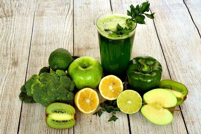 zelené smoothie a zelená zelenina